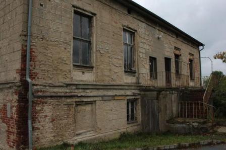Quelle: http://www.ostsee-zeitung.de/Vorpommern/Fotostrecken-Vorpommern/Ehemalige-Villa-soll-Kuenstlerhaus-werden#n19702136-p2